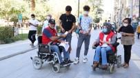 Kızılay'ın Tekerlekli Sandalyeli Gönüllüleri Vatandaşı Kan Vermeye Davet Etti