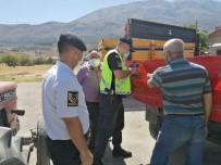 Jandarma'dan 'Reflektör Tak Görünür Ol' Projesi