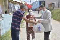 Biga Belediyesi'nden Karantinadaki Mahalleye Erzak Yardımı