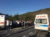 Maden İşçilerini Taşıyan Otobüs Devrildi Açıklaması 1 Ölü, 16 Yaralı