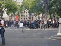 PARIS - Sarı Yelekliler yeniden Paris sokaklarında