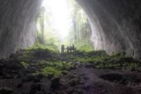 Dünya'nın En Derin 4'Üncü Mağarası Ilgarini'de İnsan Kemikleri Bulundu