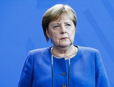 Merkel bırakıyor!