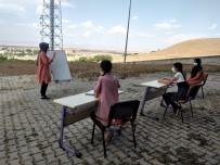 Ağrı'da EBA TV'yi Aksatmayan Kardeşler Ödüllendirildi