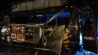 Amasya'da Seyyar Köfte Minibüsü Yandı Açıklaması 1 Yaralı