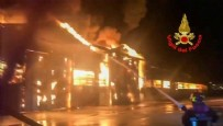 İTALYA - İtalya'da patlama! Tüm şehir duman altında