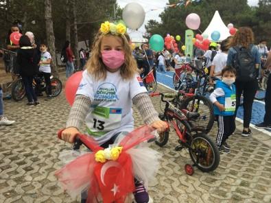Sultangazi'de Pedallar Sağlıklı Yaşam İçin Çevrildi