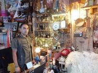 Amasya Suluova'da Müze Gibi Çiçekçi Dükkanı