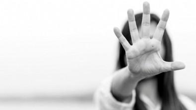 Kadına şiddeti önlemede yeni adım! Bakan duyurdu