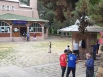 Suluova'da Tek Kullanımlık Seccade Dağıtımı
