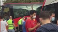 POLİS EKİPLERİ - Tramvay ve ile otobüs çarpıştı! Seferler yapılamıyor