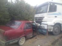 Kastamonu'da Otomobil İle Kamyon Çarpıştı Açıklaması 2 Yaralı