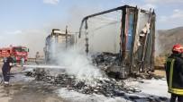 Kastamonu'da Yabancı Plakalı Tır, Alev Alev Yandı