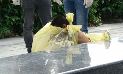 Taksim Meydanı'nda çıplak kadın şoku
