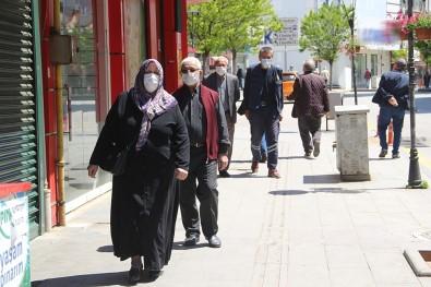 O İlçede 65 Yaş Üstü Vatandaşlara Sokağa Çıkma Kısıtlaması Getirildi