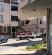 CEP TELEFONU - Arnavutköy'de akılalmaz görüntü!