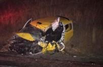 Erdek'te Trafik Kazası Açıklaması 2 Kişi Yaralandı