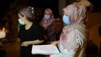 Fabrikadan Sızan Gaz Ve Koku Mahalleliyi Sokağa Döktü