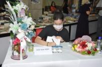 Mardinli Lise Öğrencisi İlk Romanı İçin İmza Günü Düzenledi