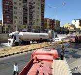 Kızıltepe'de Kaza Geçiren Azot Yüklü Tanker Korkuttu