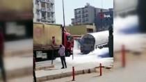 Mardin'de Tır, Azot Yüklü Tankere Çarptı