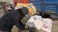 Atlarını Battaniyeye Sararak Dondurucu Soğuklardan Koruyorlar