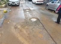 FAHRETTİN ALTAY - İzmir'li vatandaşın bozuk yol çilesi! CHP'li belediye bunu da beceremedi...
