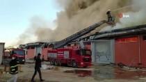 GÜNCELLEME - Şanlıurfa'da Lojistik Deposunda Çıkan Yangına Müdahale Ediliyor