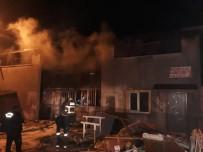 Balıkesir'de Mobilya Atölyesinde Yangın