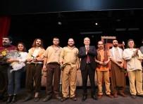 Denizli'nin Tiyatrosu Uluslararası Törenden 5 Ödül Aldı