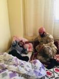Mehmetçikten Yaşlılara Ziyaret
