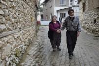 Engelli Karı-Kocanın Her Şeye Rağmen Masal Gibi Aşk Hikayesi