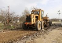 Turgutlu Belediyesi Arazi Yollarında Asfalt Hazırlık Çalışmasına Başladı