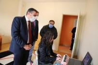 Vali Atay'dan Özbek'i Evinde Ziyaret Etti