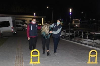 Ümitcan Uygun'un Uyuşturucu Kullandığı Görüntülerde Yanında Bulunan Kadın Yakalandı