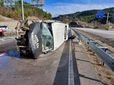 Amasya'da Minibüs Devrildi Açıklaması 2 Yaralı