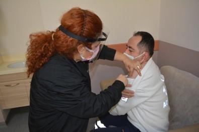 Ayvalık'ta Covid19 Aşısı Uygulanmaya Başladı