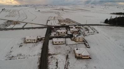 Çankırı'da Kar Yağışı Vatandaşı Sevindirdi