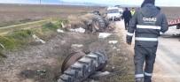 Eskişehir'de Çarpışan 2 Araç Şarampole Yuvarlandı Açıklaması 1'İ Ağır 2 Yaralı