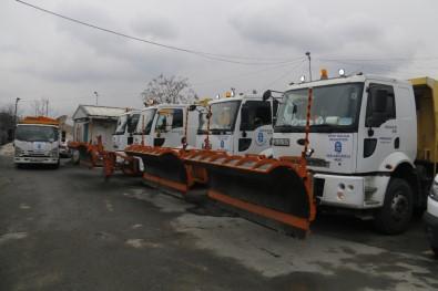Kar Yağışı İstanbul'a Giriş Yaptı, Ekipler Alarm Durumuna Geçti