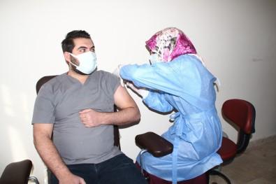 Konya'nın Yunak İlçesinde İlk Covid-19 Aşısı Yapıldı