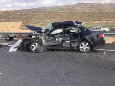Otomobil Beton Mikserine Çarptı Açıklaması 2 Ölü