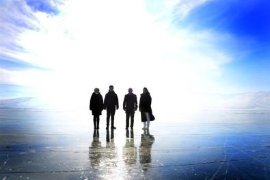 Vali Hüseyin Öner, Yüzeyi Buz Tutan Çıldır Gölü'nde İncelemelerde Bulundu