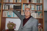 5 Bin Kitabın Yer Aldığı Kütüphanesini Satışa Çıkardı