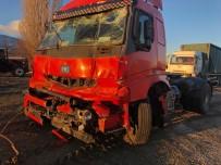 Elazığ'da Zincirleme Kaza 5 Araç Birbirine Girdi Açıklaması 4 Yaralı