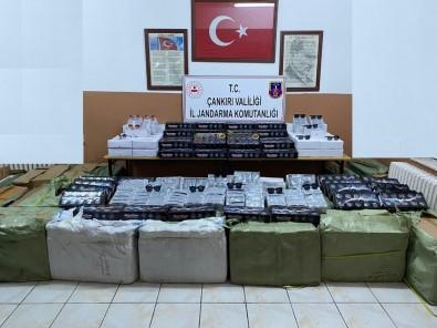 Kargo Aracındaki 750 Bin Liralık Kaçak Eşyaya El Konuldu