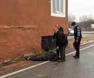 Kırşehir'de,  Evinin Çatısındaki Kiremitleri Onarırken Düşen Kişi Yaralandı