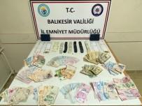 Sındırgı'da Kumar Oynarken Yakalananlardan 2'Si Tutuklandı