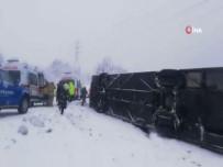 Zonguldak'ta Yolcu Otobüsü Devrildi  Açıklaması 1'İ Bebek 16 Kişi Yaralandı