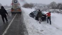 Kar Yağışı Edremit-Balıkesir Karayolunda Çileye Döndü